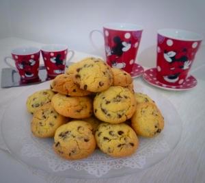 cookies-al-cioccolato con tazze topolino