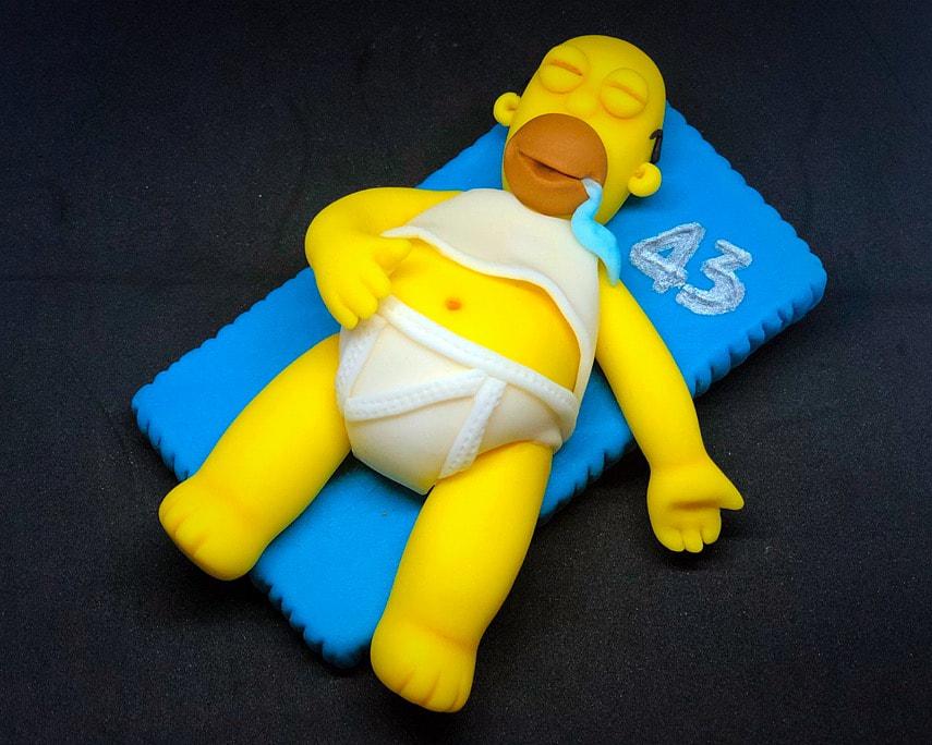 homer sdraiato addormentato