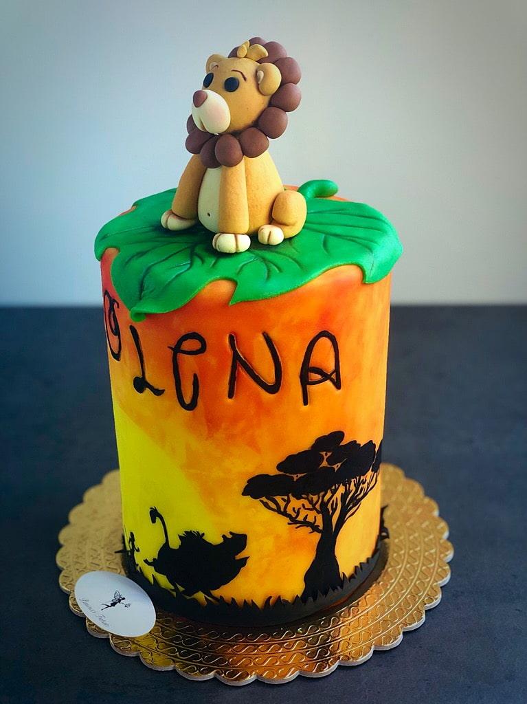 profilo leone su torta stile re leone