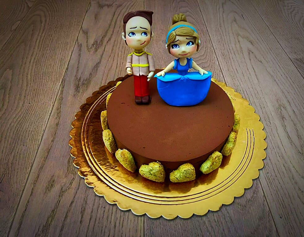 exotic cake decorata con cenerentola