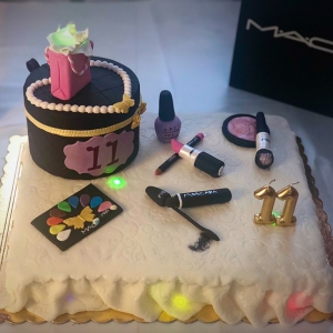 make up cake con lucine interne