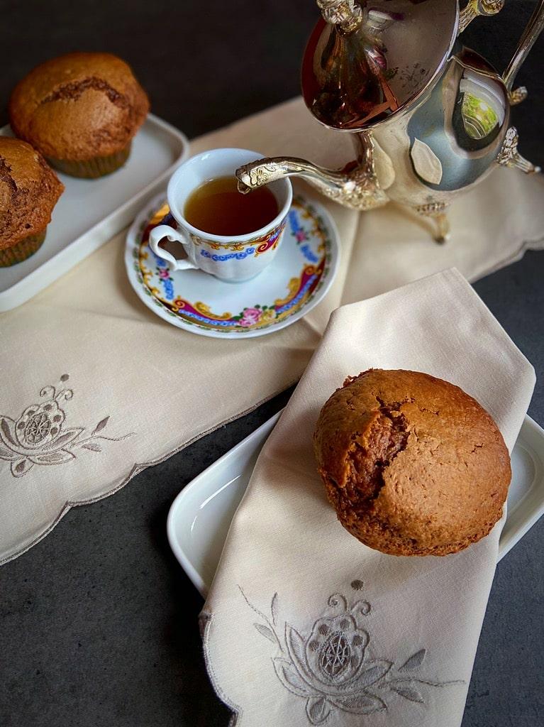 eleganza dei muffins al cioccolato e banana